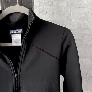 PATAGONIA Black 1/4 Zip Spandex Polyester Pullover